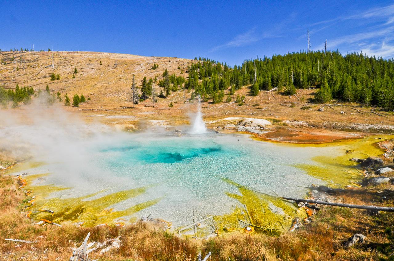 Imperial Geyser - Yellowstone - Fairy Falls und Imperial Geyser Trail