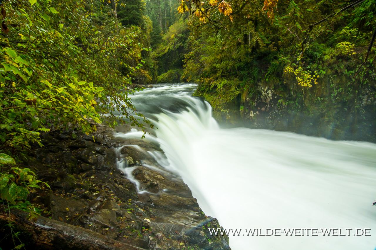 Lower Punchbowl Falls - Eagle Creek, Columbia River Gorge, Oregon