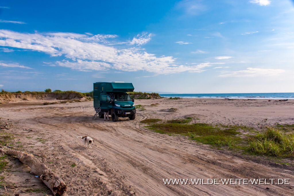 bernachtungsplatz-Playa-Las-Lobitas-Teacapan-Sinaloa-21-1024x325 Strände - Playas - Beaches an Mexikos Pazifikküste [divers]