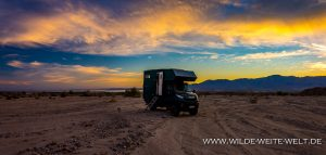 bernachtungsplatz-Painted-Canyon-Road-Mecca-California-300x143 Übernachtungsplatz