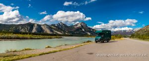 Athabasca-River-mit-Roche-Ronde-Yellowhead-Highway-Jasper-National-Park-Alberta-300x123 Athabasca River mit Roche Ronde