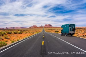 Monument-Valley-Hwy-163-Monument-Valley-Utah-300x200 Monument Valley