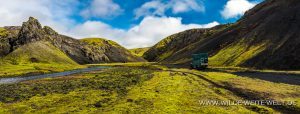 Moosbewachsene-Vulkanlandschaft-Fjallabaksleid-Nydri-F208-Island-300x114 Moosbewachsene Vulkanlandschaft