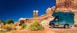 Navajo-Twins-Bluff-Utah-300x128 Navajo Twins