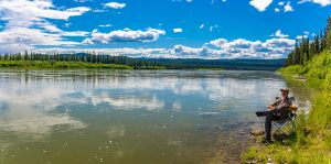 Pausenplatz-Yukon-River-Robert-Campbell-Highway-Yukon-300x149 Pausenplatz