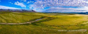 Tundra-with-Eriophorum-Richardson-Mountains-Dempster-Highway-Yukon-300x117 Tundra with Eriophorum