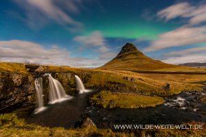 Kirkjufell-und-Kirkjufellsfoss-mit-Aurora-Borealis-Grundarfjoerdur-54-island-9-300x200 Kirkjufell und Kirkjufellsfoss mit Aurora Borealis