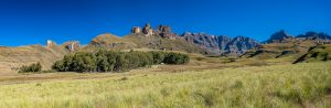 Uebernachtungsplatz-Garden-Castle-Nature-Reserve-Ukhahlamba-Drakensberg-Park-Kwazulu-Natal-Suedafrika-7-300x98 Übernachtungsplatz